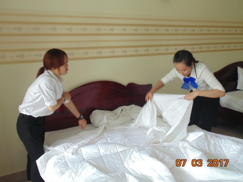 Thực tập công việc vệ sinh phòng tại Resort Little Paris