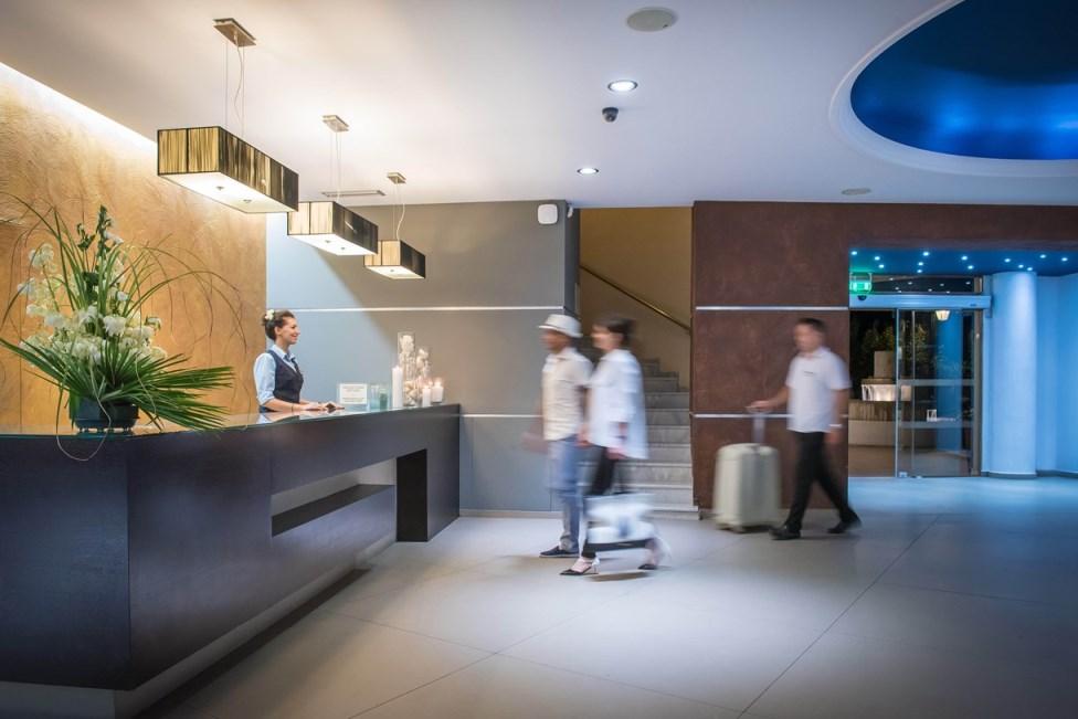 Lễ tân khách sạn là gì? Công việc của lễ tân khách sạn
