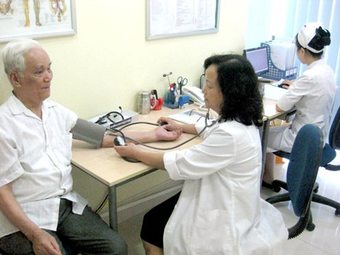 Độ tuổi 40 dễcó rắc rốivề huyết áp